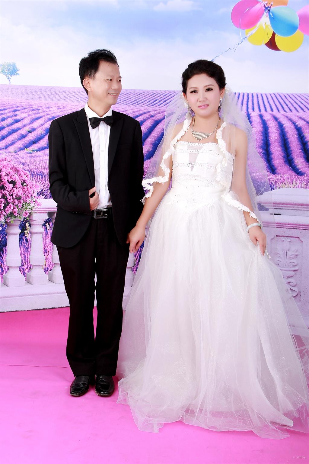 结婚十周年婚纱照