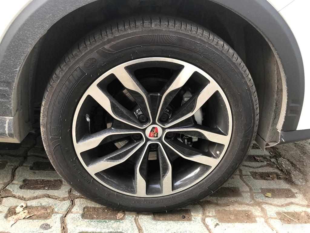 荣威轮胎漏气图片