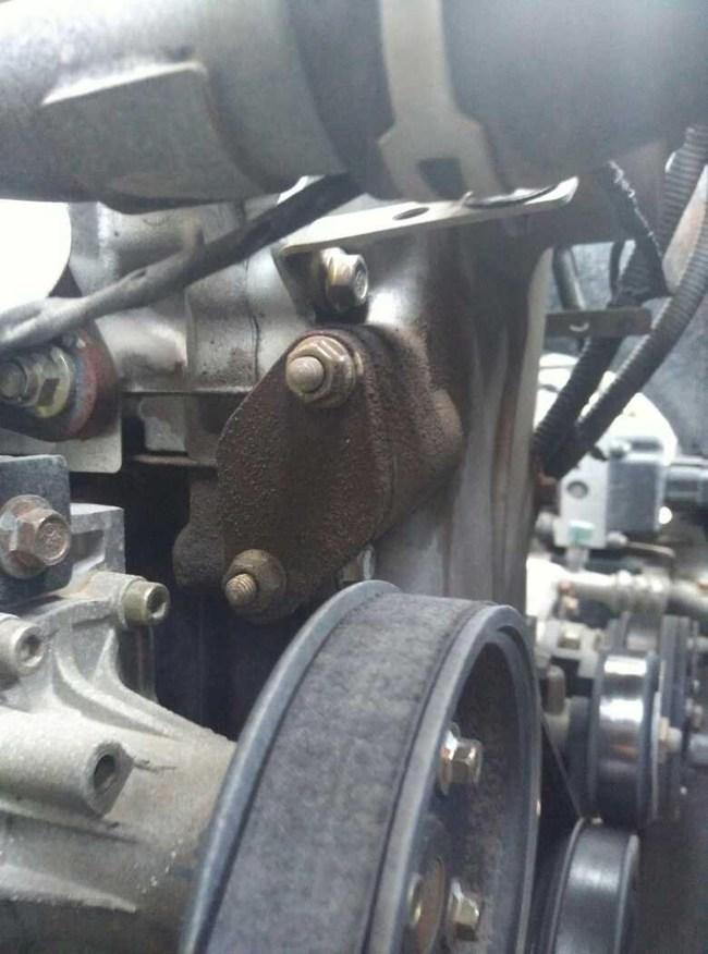 昌河福瑞达m50的发动机会漏油,我刚买一个月,就发现发动机漏 -福高清图片