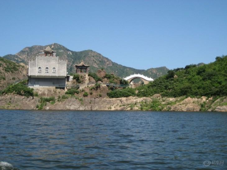 亦称石河水库,是1974年筑坝断流蓄水而成.