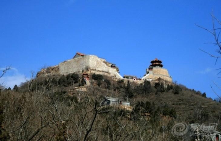 丫鬟山  查看全部 3张照片 目的地介绍 丫髻山风景区位于北京市平谷区