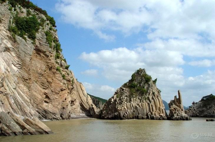 宁波 花岙石林   11张照片 目的地介绍 花岙石林位于浙江象山的花岙岛