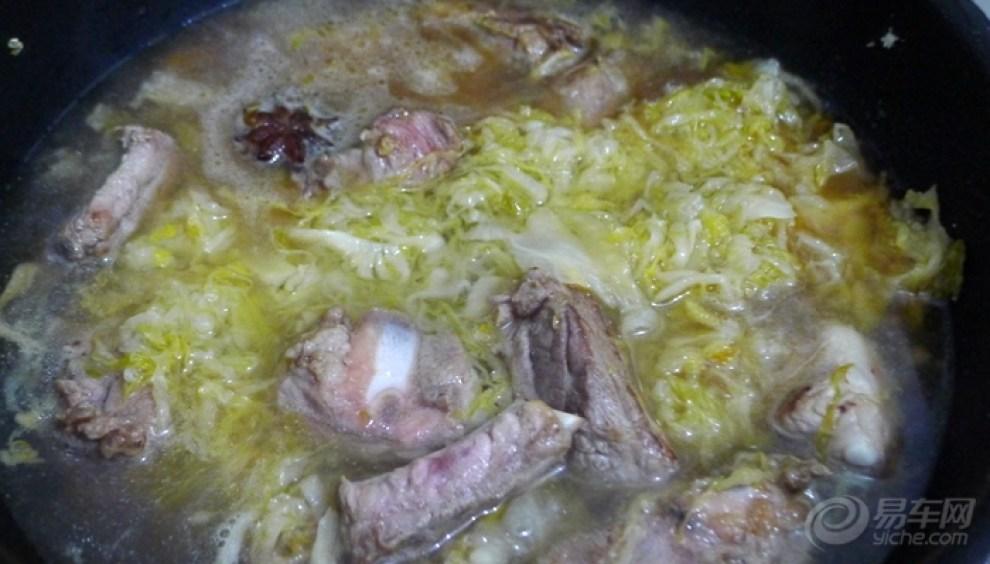 【【我的百变白菜】菜谱炖酸做法(规定食材)】贺涵三文鱼排骨图片
