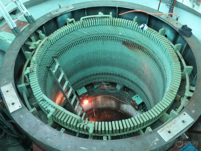 【【我要我要我要要】厂里水轮发电机大修--吊转子】