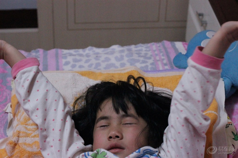 【【宝贝快乐秀】即将起床那一刻】_超级宝贝