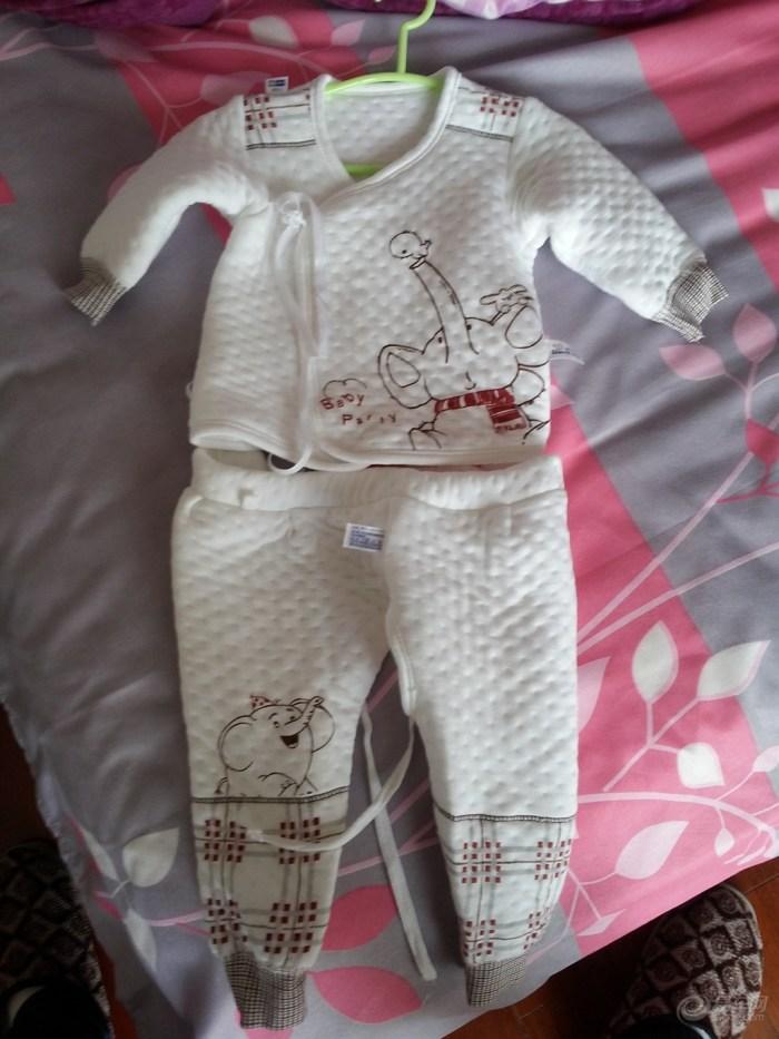 宝宝 出生/提前帮未出生的宝宝买好衣服,洗后整理好,静等出生的节奏。