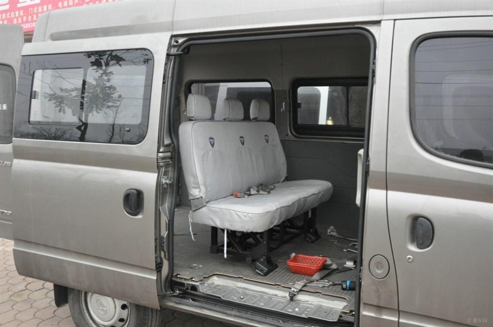 一次改俩:大通v80改房车之逆变器安装线束制作橱柜骨架制作