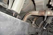 维修作业-排气管锈穿了,自费更换