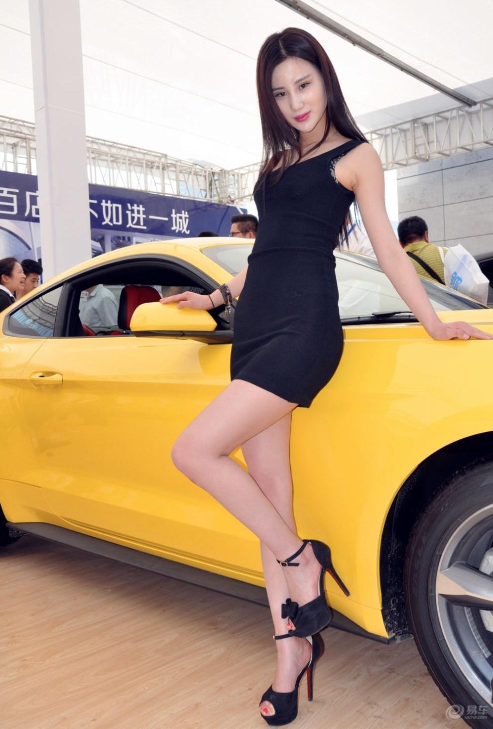 青岛车展----野马感性模特
