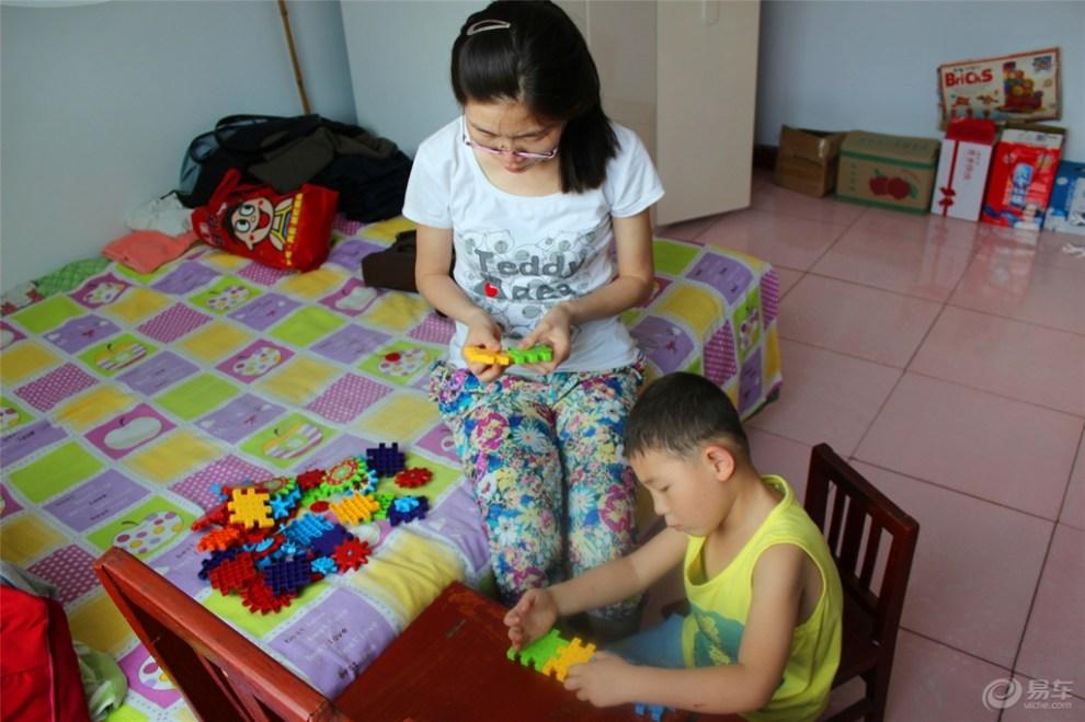 【超宝动起来】和妈妈一起玩积木