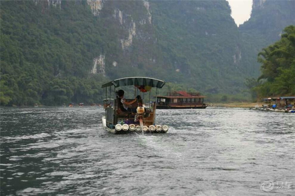 【舟行碧波上,人在画中游--桂林游记】_荣威36
