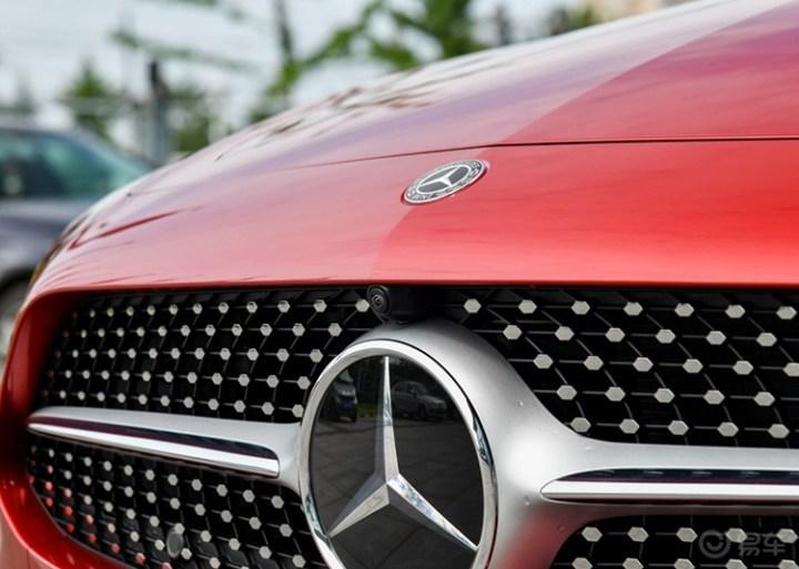 奔驰CLS级2018款CLS300动感型加装360全景