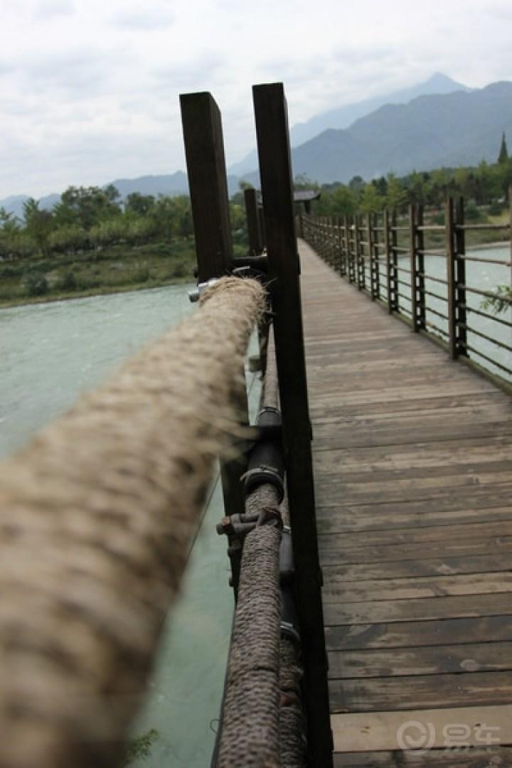 拜水都江堰,邂逅魅力南桥