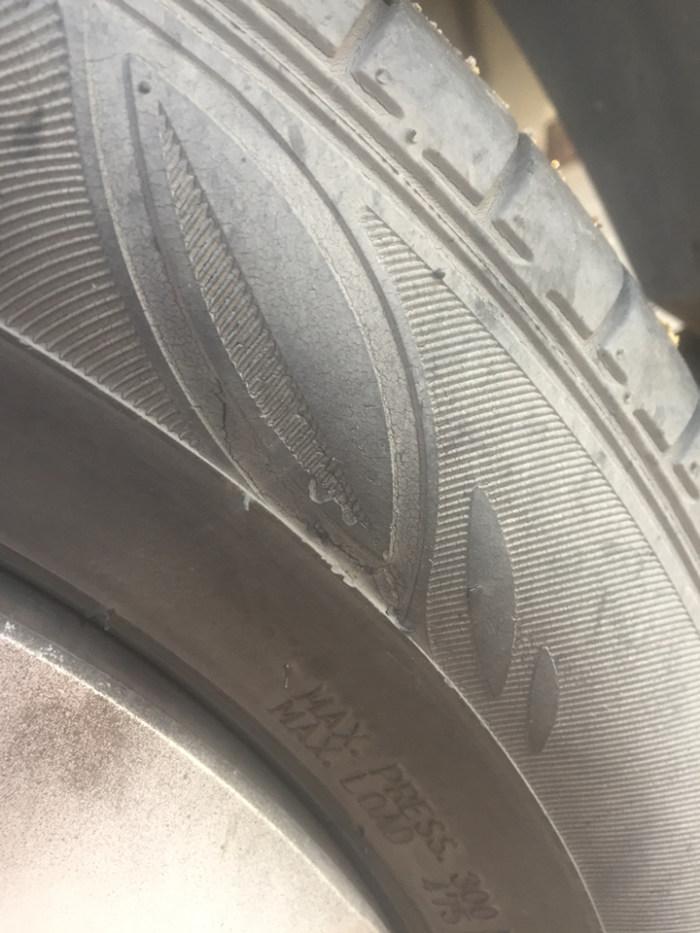 威驰车的车胎到什么程度必须更换?