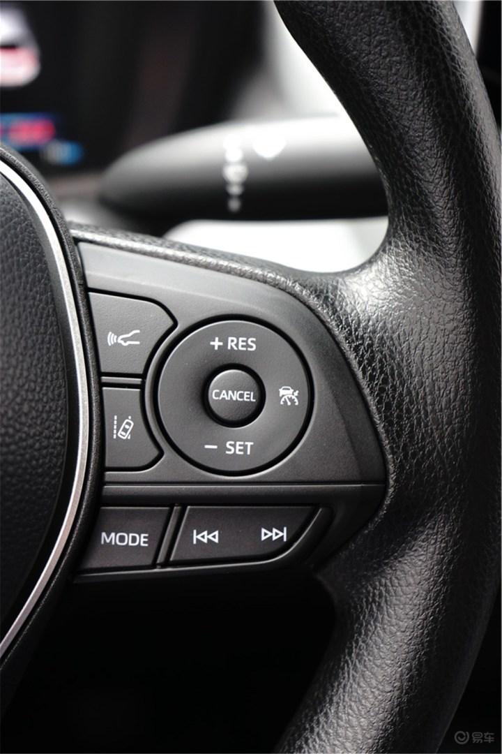 洗车时偶遇全新雷凌运动版,颜值高、内饰质感好,配置不错