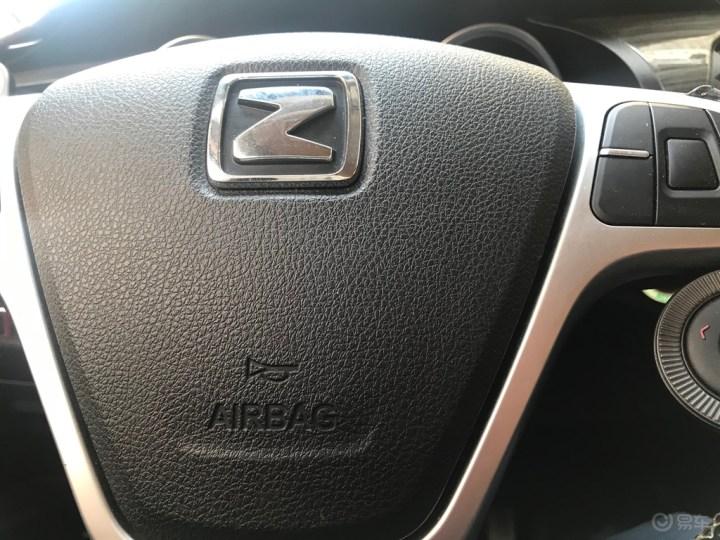 自己动手粘贴轮眉反光贴,增加行车安全