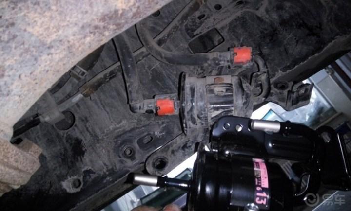 霸道总裁小R今日上线:来4S店更换汽油滤清器