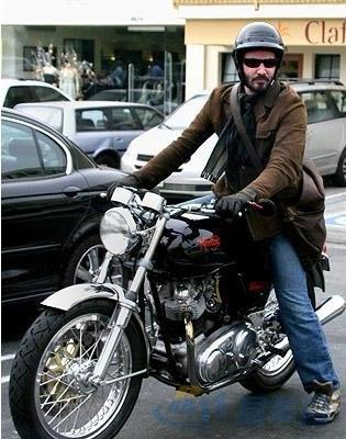 好莱坞历代大明星的摩托车揭秘