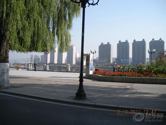 美女 吉林市/这时已是苏菲亚美女驾车。吉林市松花江畔美丽街景,沿江几乎全...