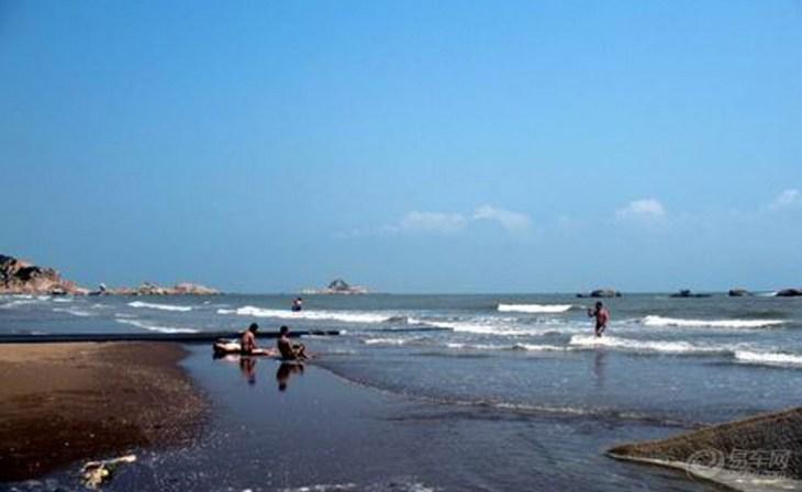 """以世界海产珍品""""海蚌""""命名的海蚌公园位于滨海观光道节点上,镇内显应"""