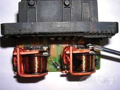 双密封继电器 油泵电路