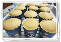 【广坛九月之约】为聚会制作奶香味的纸杯蛋糕