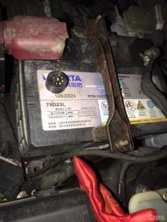 服务了4年半的电池终于撑不住了,车子🚗没法打火启动,于2021.4.4更换新电