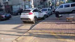 #车主日记#23,车祸猛如虎,看见一辆车,副驾驶位置凹陷,觉得应该是车辆失控,撞