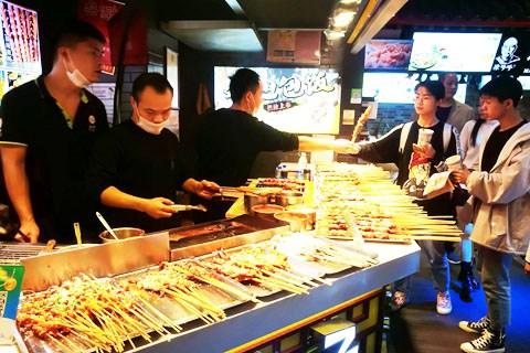 寻找人间美味之旅,带你走进长沙小吃街