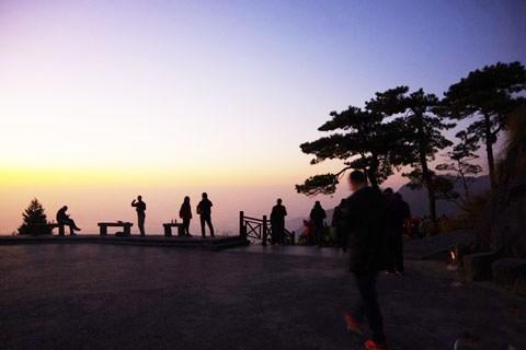 沉醉于大自然孕育的壮阔之美,登高庐山看日出