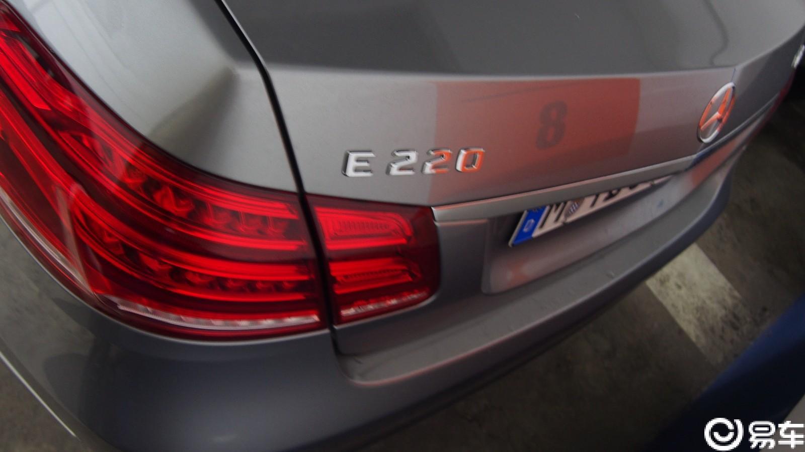 """#寻找最懂奔驰的你#   我开奔驰E220冲进上帝的调色盘""""蘸蘸""""色"""