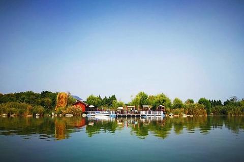 开始一段休闲之旅,领略潘安湖的绝美之秋