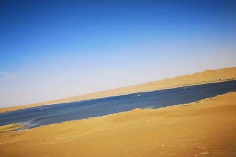 湖泊与沙漠的结合,相机记录每一次精彩旅行
