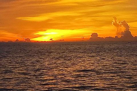 最好的时光在路上,游涠洲岛感受大海的温情
